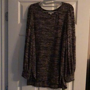 Max Studio-NWOT Black/Rose sweater 👚👀